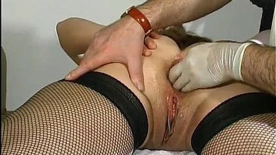 fisting   mature   pussy