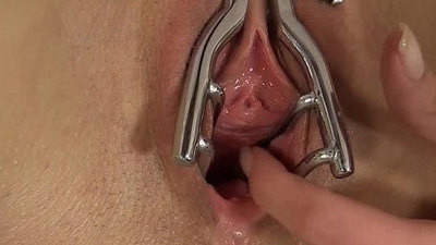beauty  blonde  close up  pissing